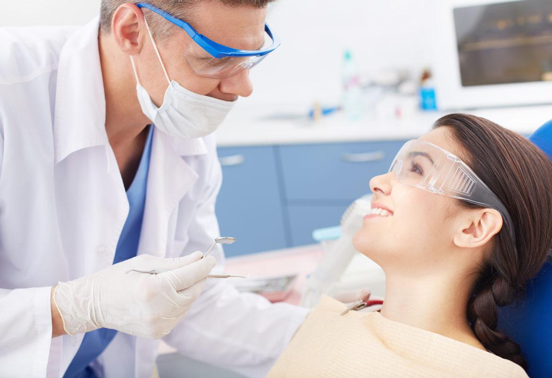 Профессиональная гигиена полости рта за 3 500 руб.